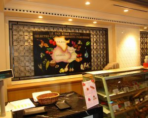 「LE PAN」様 レジ裏大看板:900×1350mmの大きな看板 兵庫県産の食材を使ったパンが自慢のパン屋さんです。兵庫県の地図に名産品を入れ込みました。